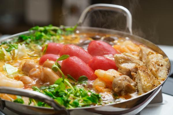 トマトの入った鍋(トマト鍋)